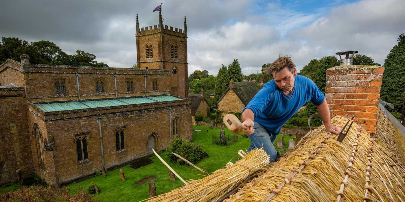 Dan Quartermain - Master Thatcher in the Cotswolds